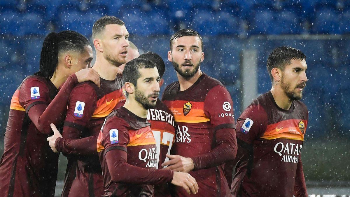 Edin Dzeko esulta per il gol, Roma-Sampdoria, Serie A 2020-2021, Getty Images