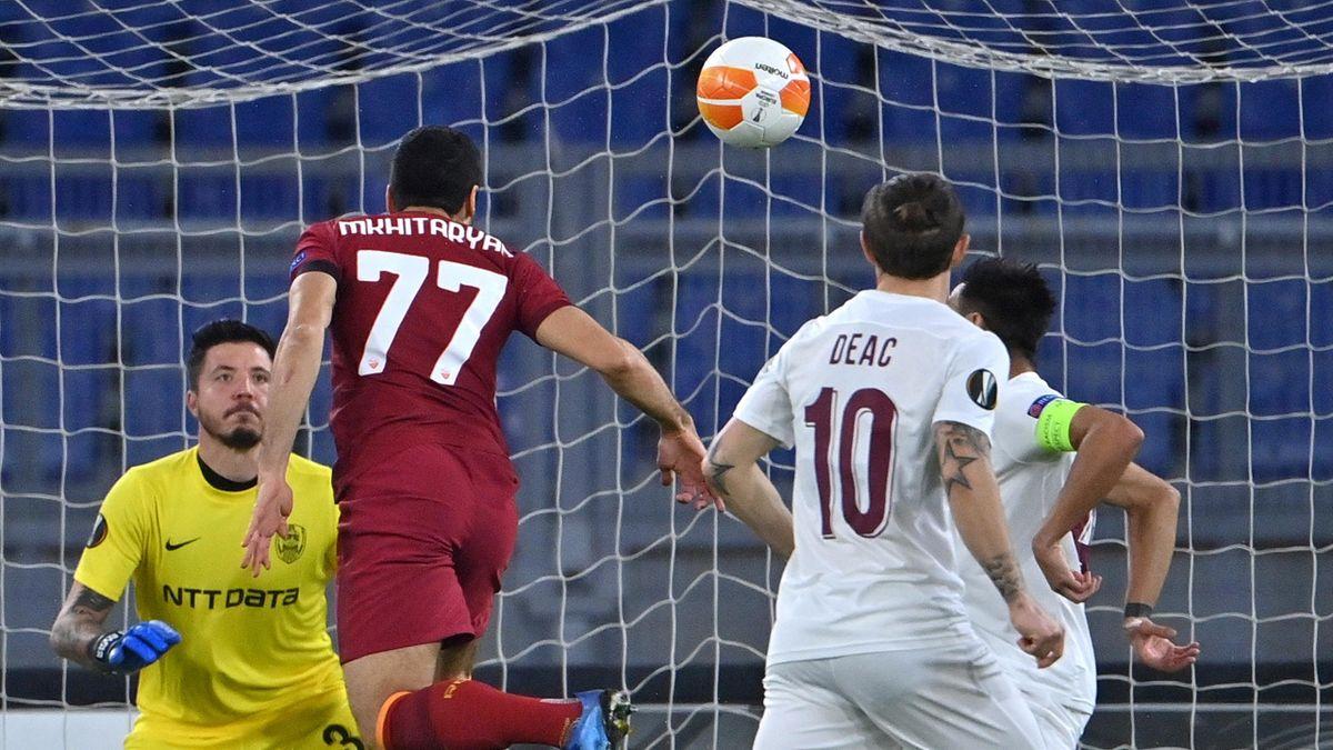 Roma-Cluj, Europa League 2020-2021: Henrikh Mkhitaryan realizza il gol dell'1-0 al 2' (Getty Images)