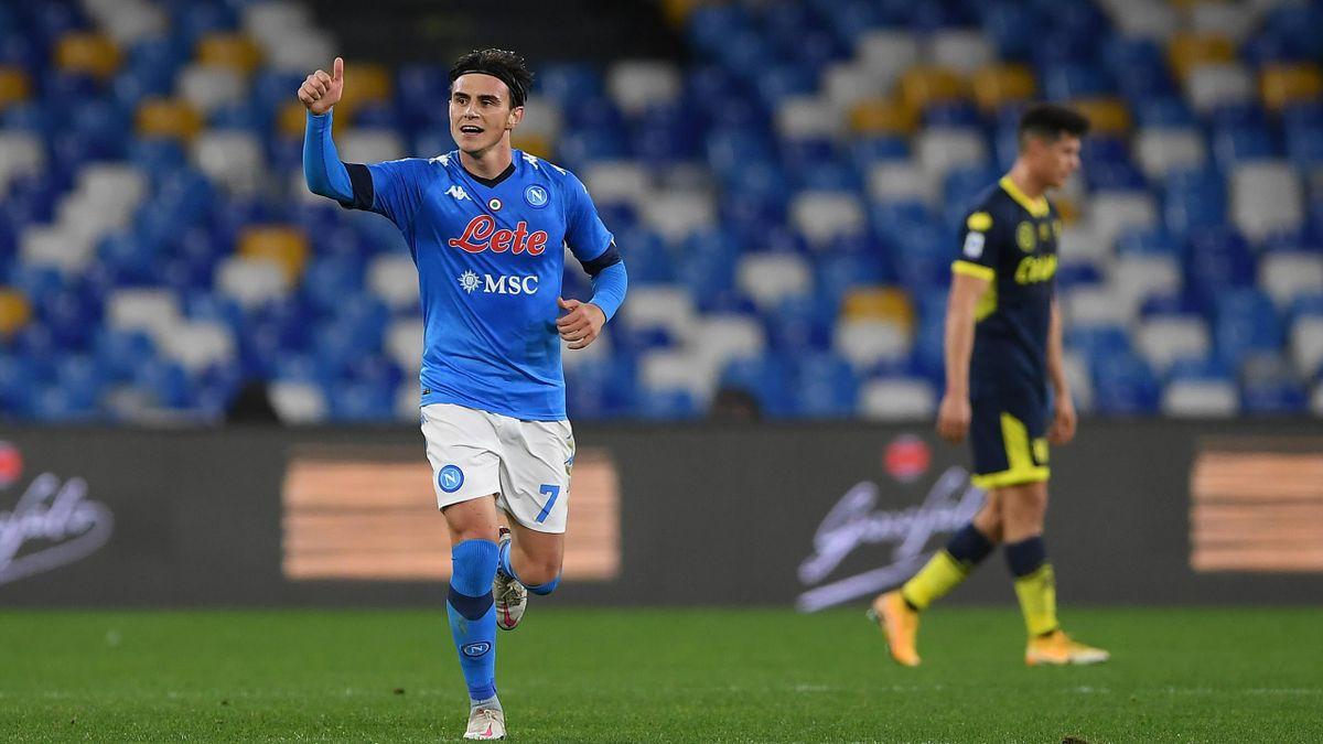 Eljif Elmas esulta dopo il gol in Napoli-Parma, Serie A 2020-21, Getty Images
