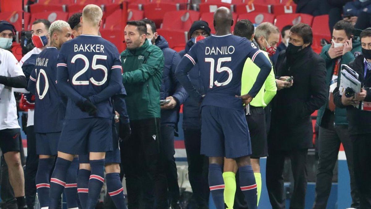 Sebastian Coltescu durante il match di Champions tra PSG e Basaksehir - Champions League 2020/2021 - Getty Images