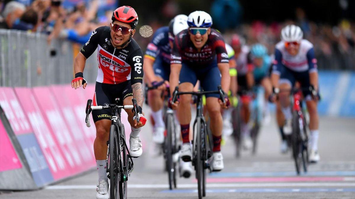 Caleb Ewan sul traguardo di Termoli - Giro d'Italia 2021
