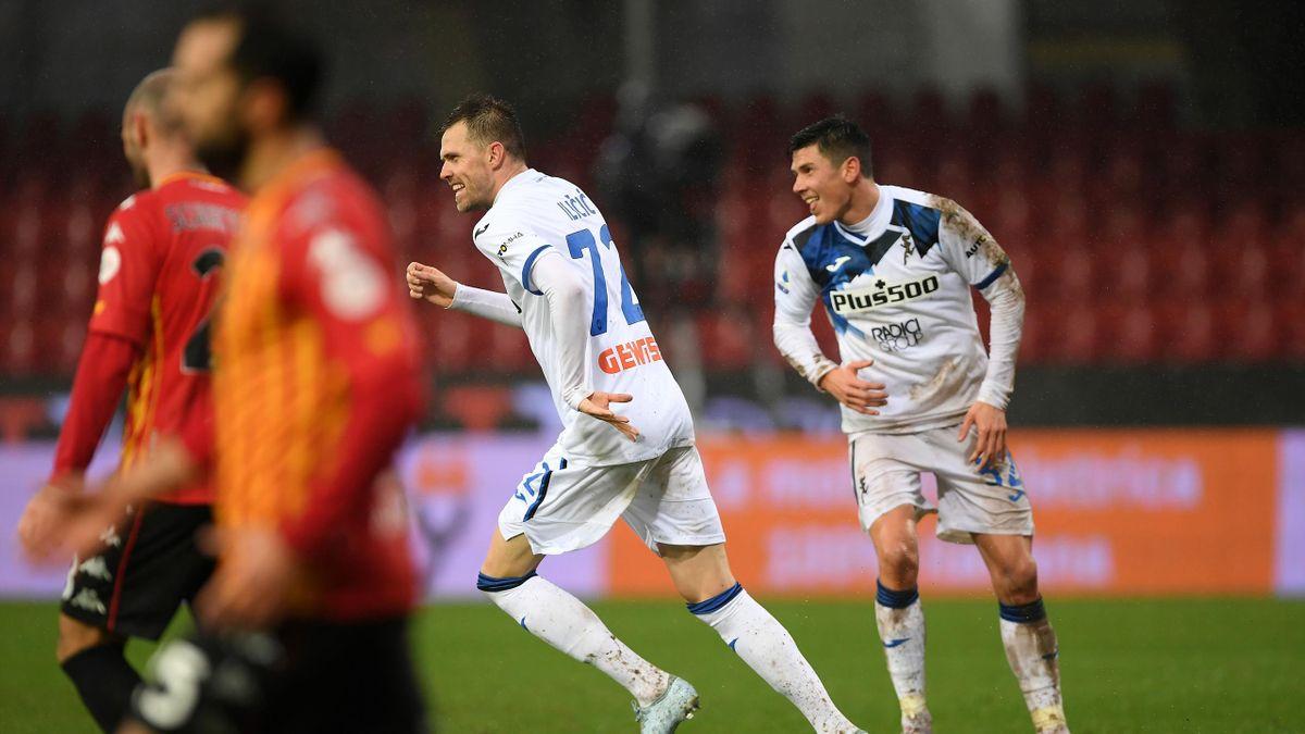 Josip Ilicic esulta per il gol segnato col Benevento, Benevento-Atalanta, Serie A 2020-21,