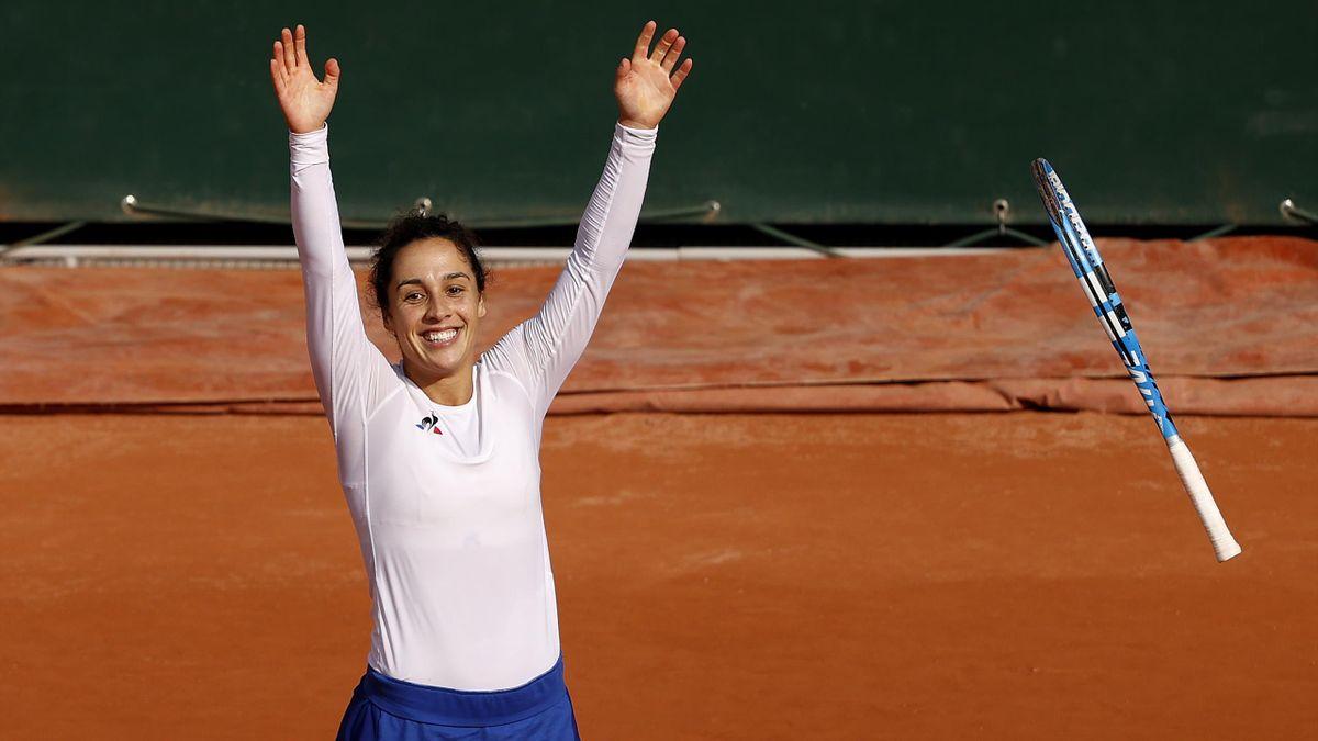 Martina Trevisan è ai quarti di finale del Roland Garros: battuta Kiki Bertens 6-4 6-4 sul Suzanne Lenglen di Parigi.