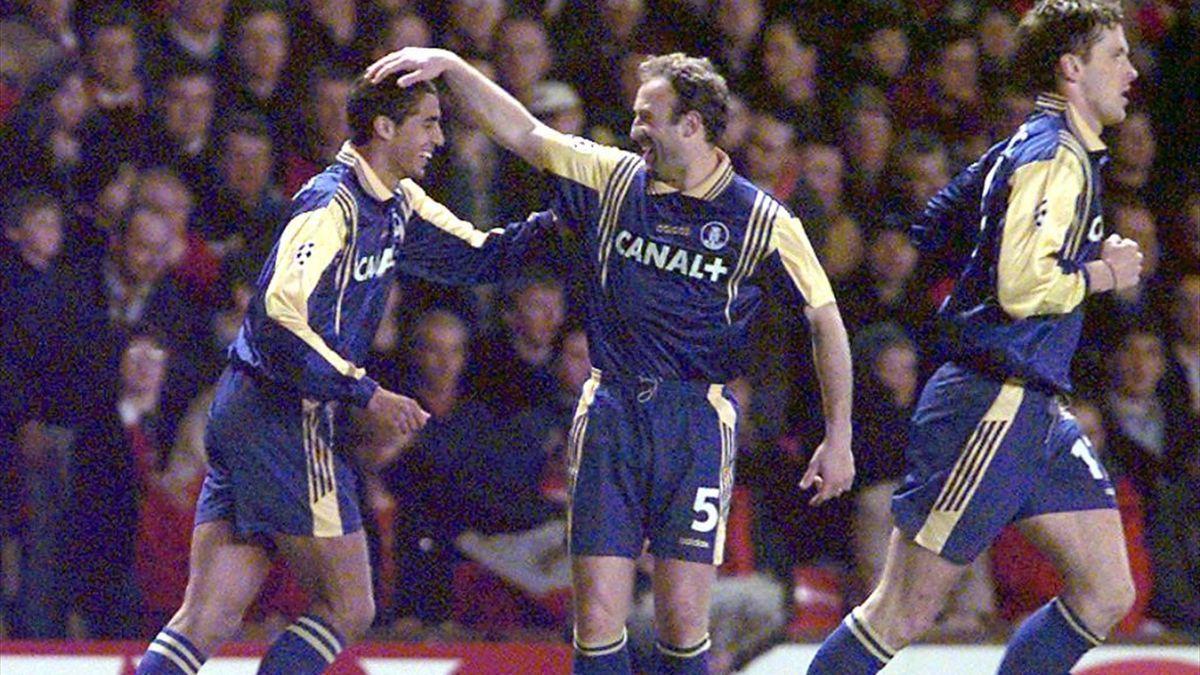 David Trezeguet félicité par Franck Duas lors de la victoire de Monaco contre Manchester United