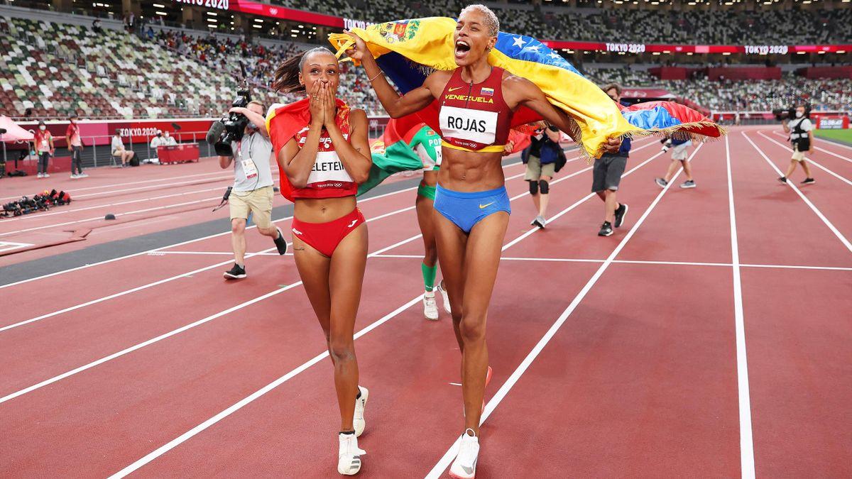 Ana Peleteiro y Yulimar Rojas celebran sus éxitos en la final de triple salto de Tokio 2020