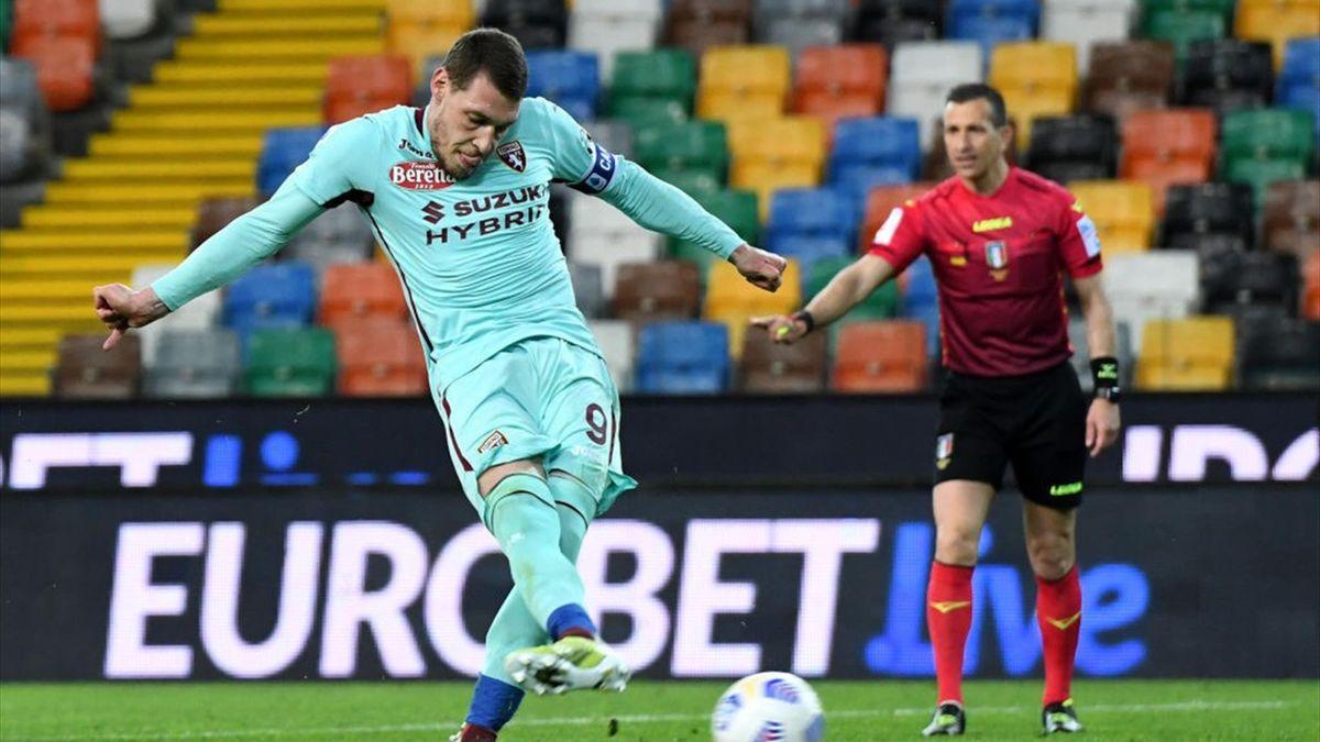 Andrea Belotti segna il rigore che decide Udinese-Torino Serie A 2020-21