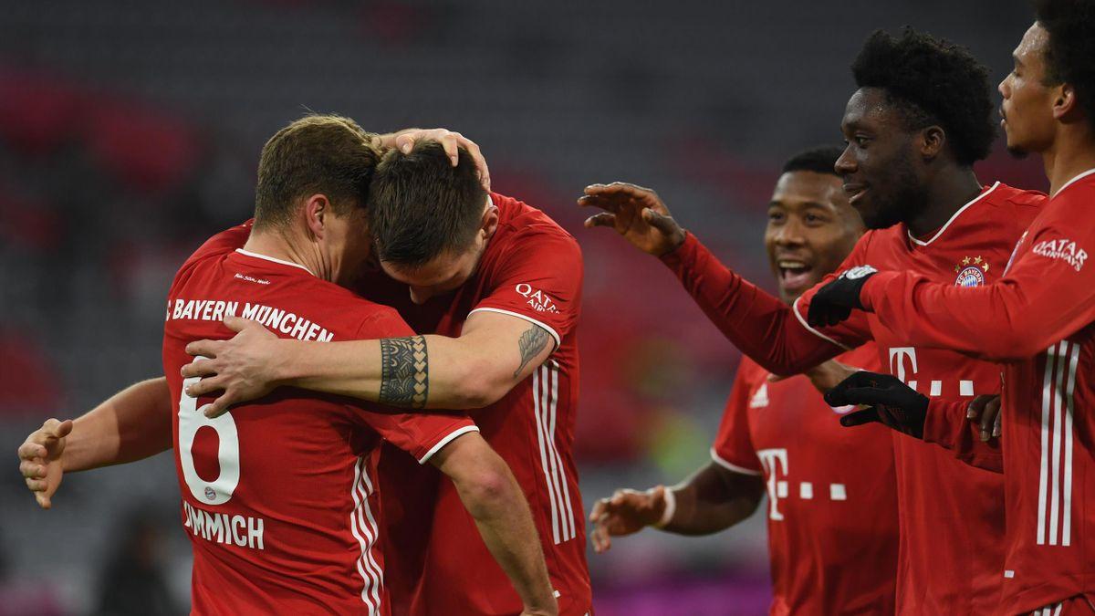 FC Bayern München | Joshua Kimmich (l.) jubelt mit Niklas Süle