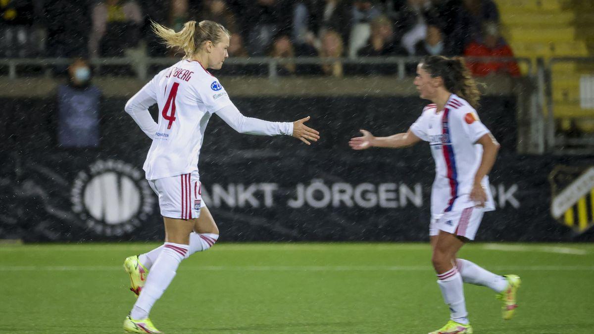 Ada Hegerberg entrer banen for Lyon mot svenske Häcken, 625 dager siden hun skadet kneet.