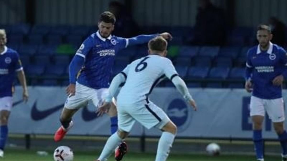 Tudor Băluță a marcat un gol de mijlocul terenului pentru Brighton u23  în disputa cu Chelsea