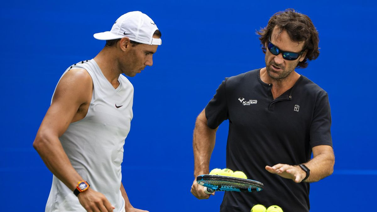 Rafael Nadal (l.) zusammen mit Trainer Carlos Moya