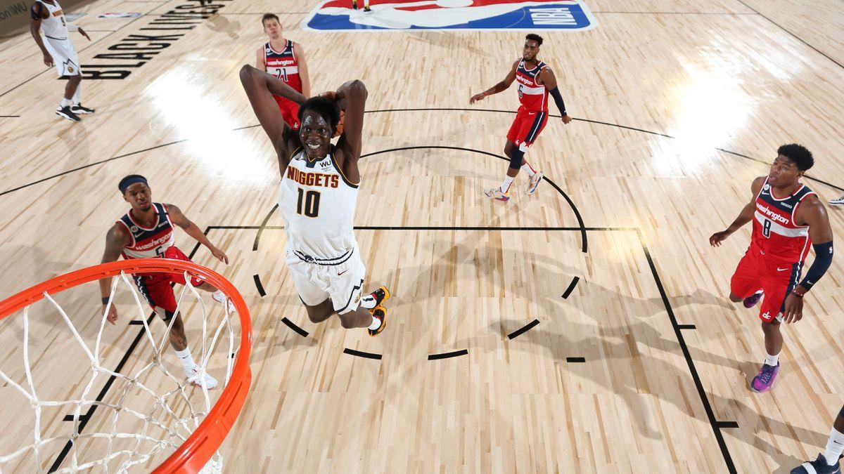 Bol Bol (Nuggets), au dunk face aux Wizards