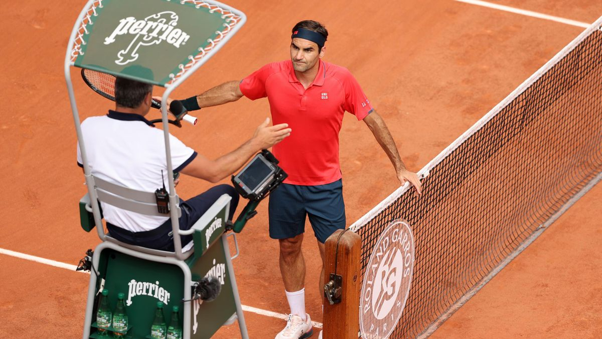 'I was waiting for you!' - Federer and Cilic in heated towel row with umpire