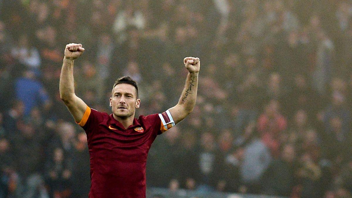 Francesco Totti eggyé vált az AS Romával