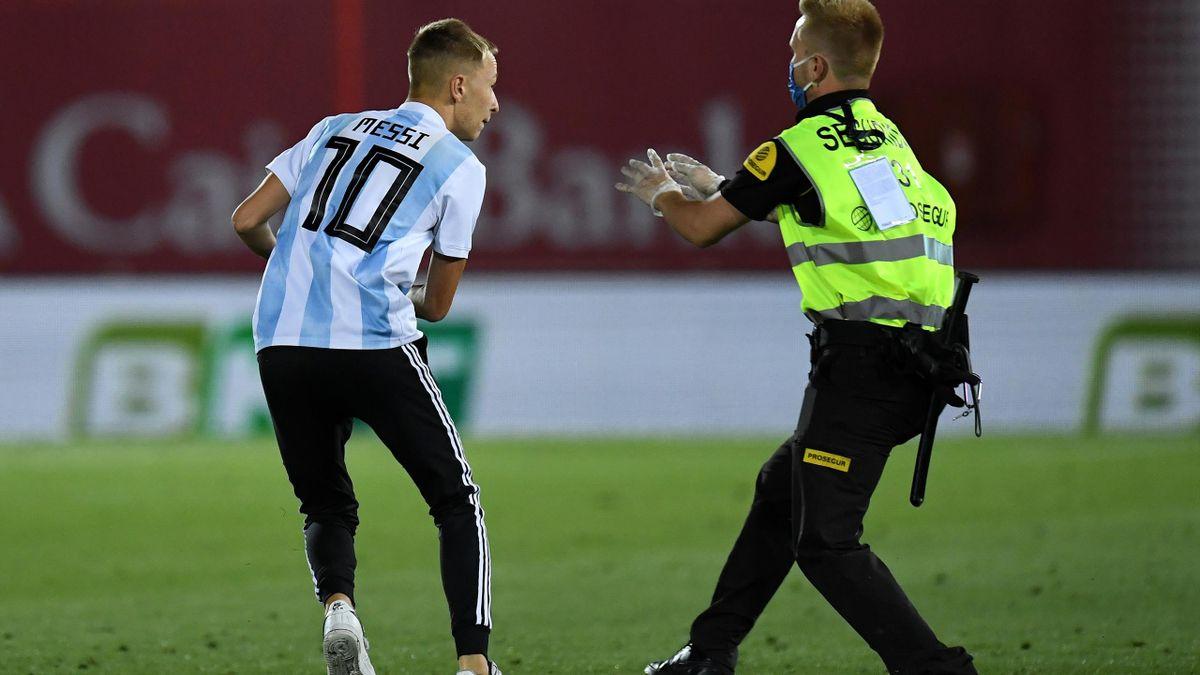 Un fan a intrat pe teren la Mallorca–Barcelona
