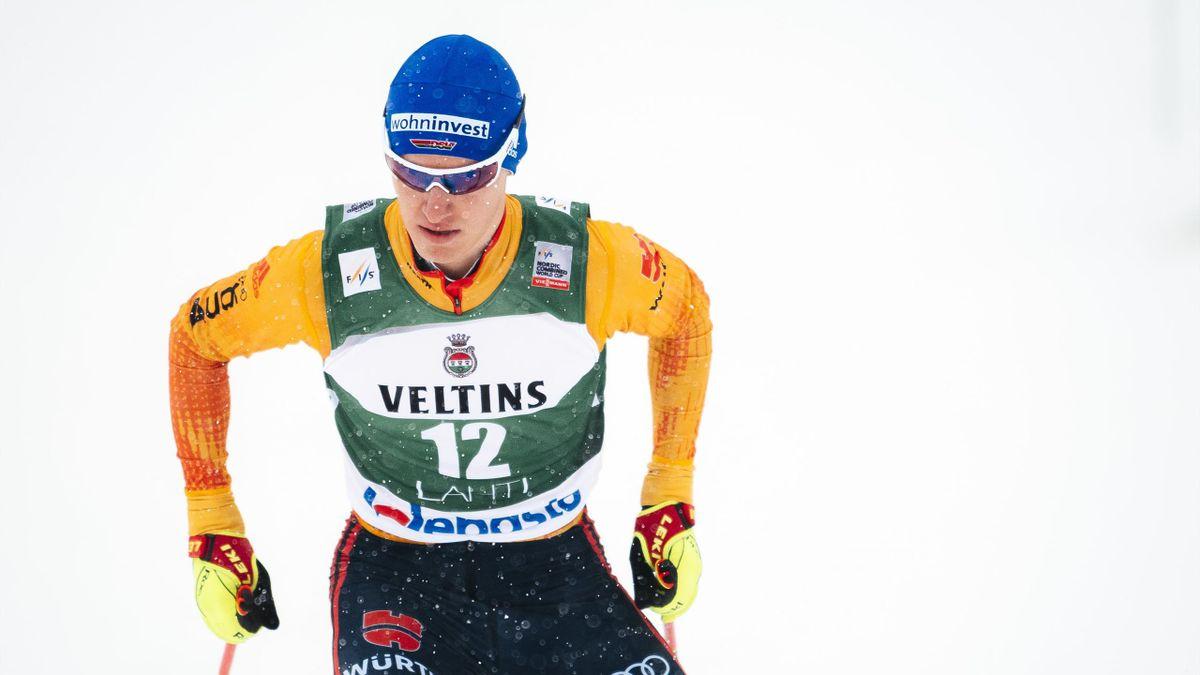 Manuel Faißt ist beim ersten Saisonrennen in der Nordischen Kombination in Ruka auf Platz fünf gelaufen