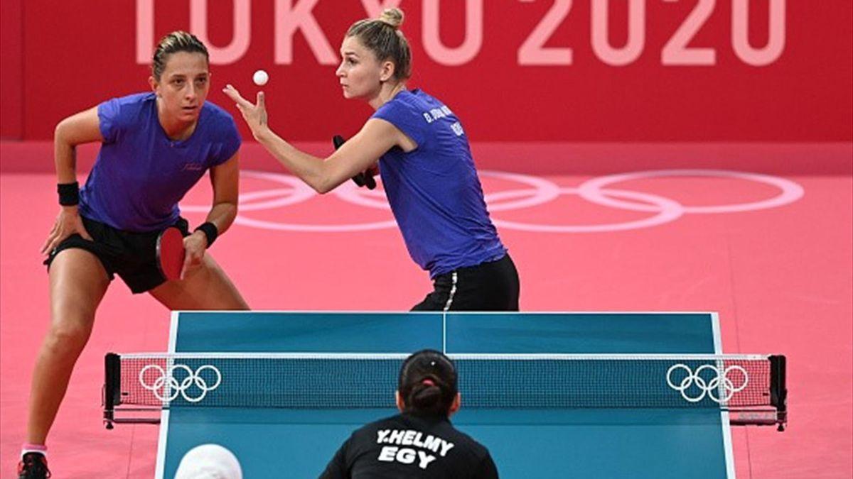 Elizabeta Samara și Daniela Dodean în acțiune la Tokyo