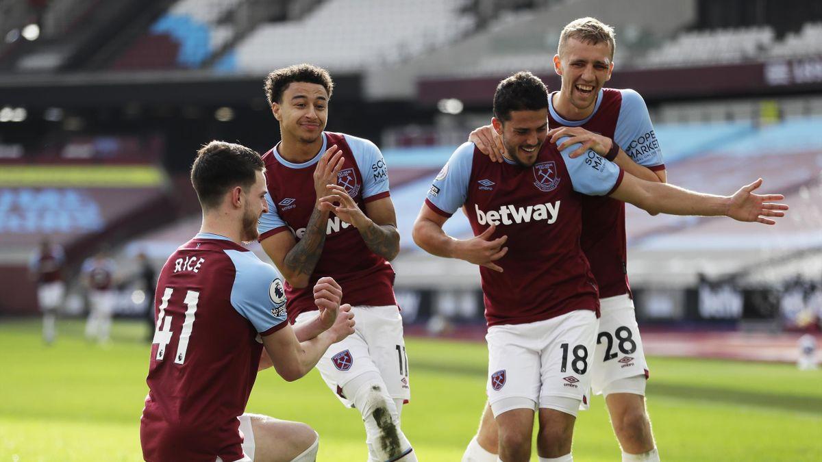 Jesse Lingard of West Ham United celebrates with team mates