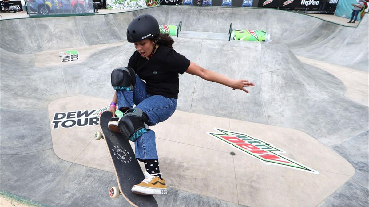 Julia Benedetti compitiendo en el Dew Tour
