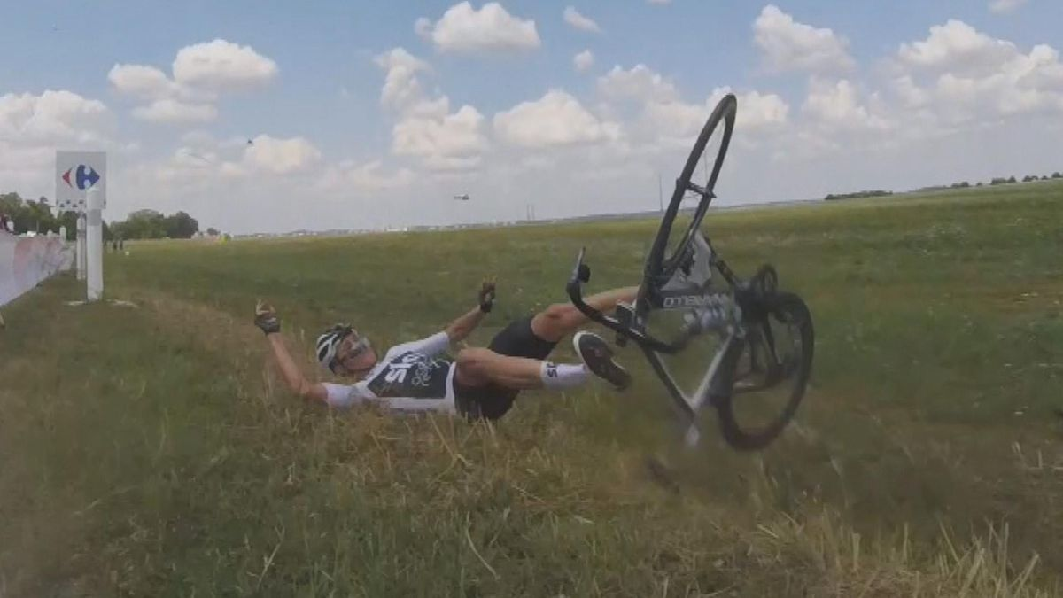 TDF - On board - Pic of the day - crash Froome