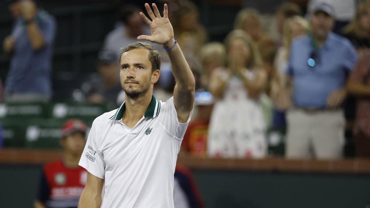 Daniil Medvedev of Russia acknowledges the crowd after winning his match against Mackenzie McDonald during the 2021 BNP Paribas Open at Indian Wells Tennis Garden in Indian Wells,