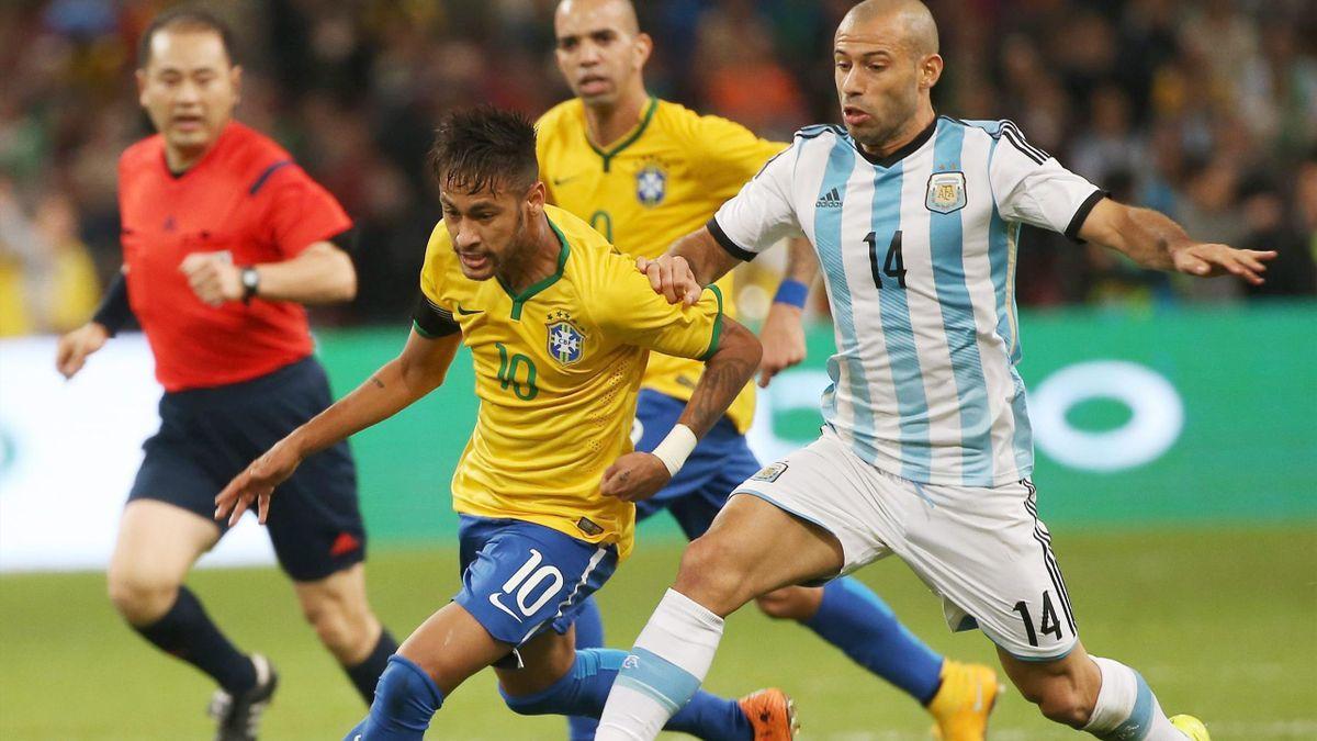 Neymar y Mascherano (Brasil-Argentina)