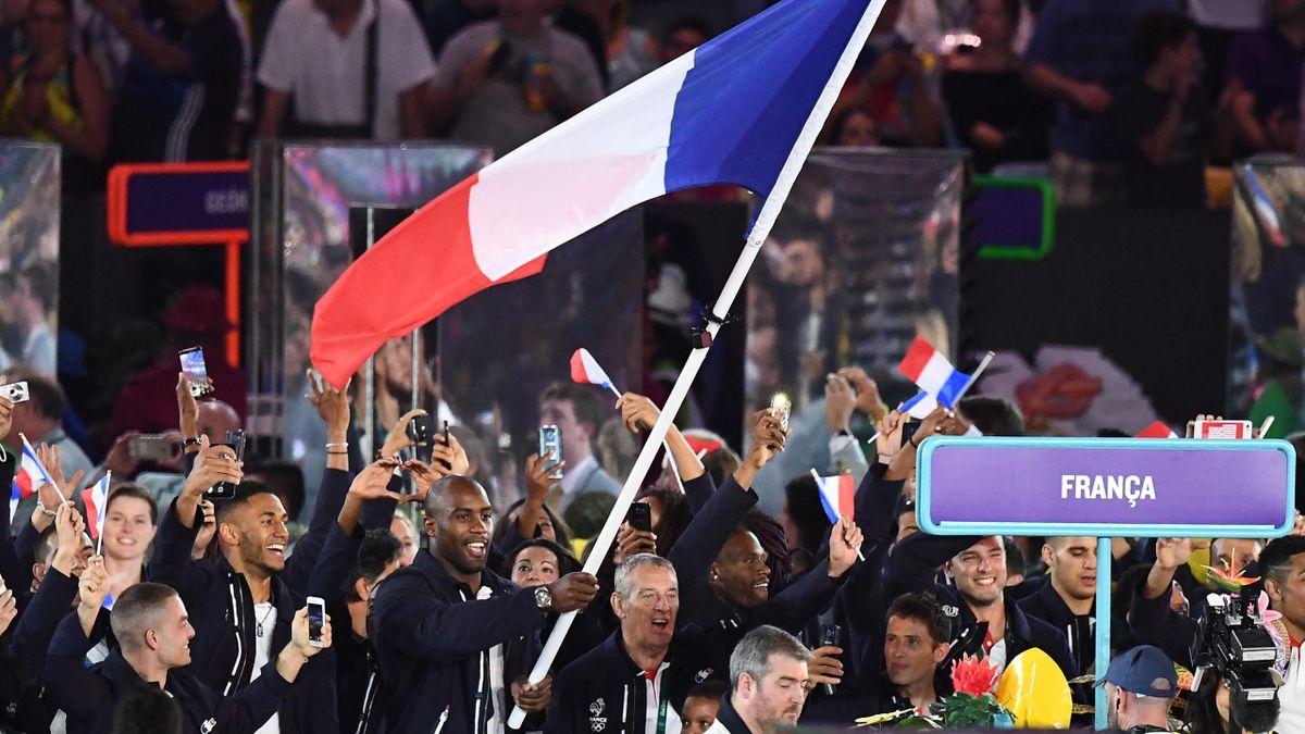 Teddy Riner et la délégation française lors de la cérémonie d'ouverture des Jeux de Rio en 2016.