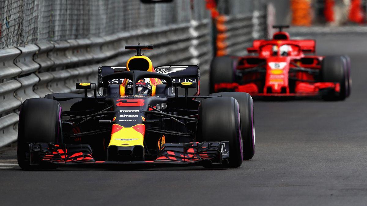 Daniel Ricciardo vor Sebastian Vettel