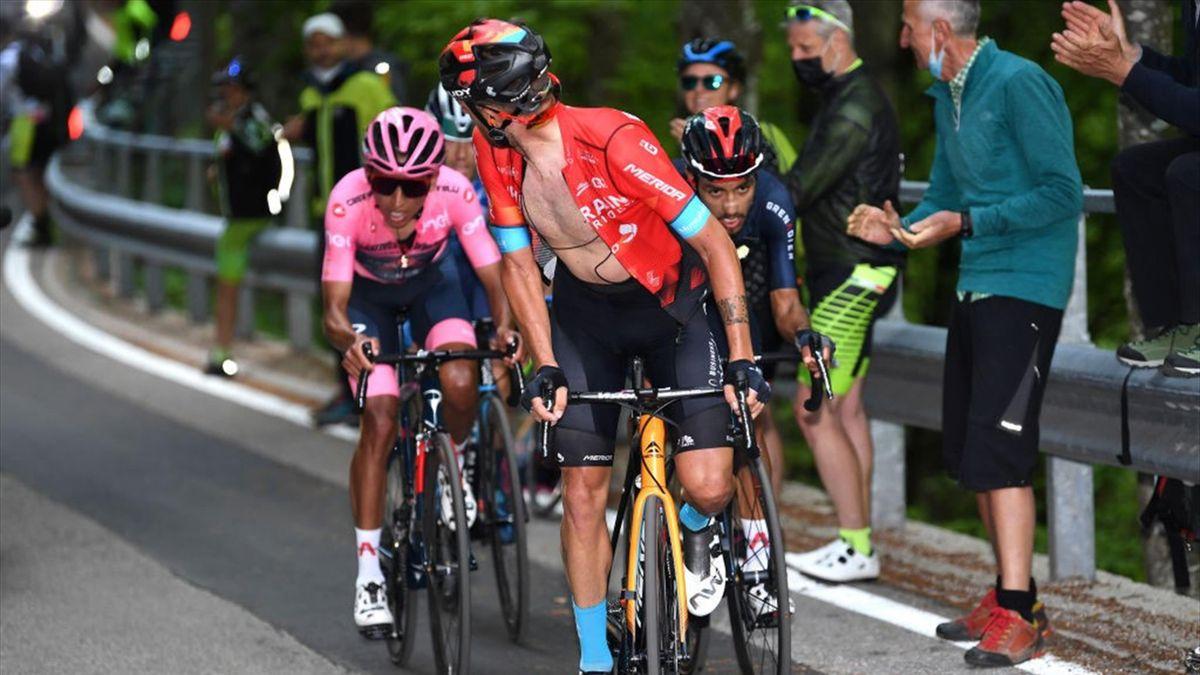 Egan Bernal (Rosa Trikot) zeigte auf der 17. Giro-Etappe erstmals eine Schwäche
