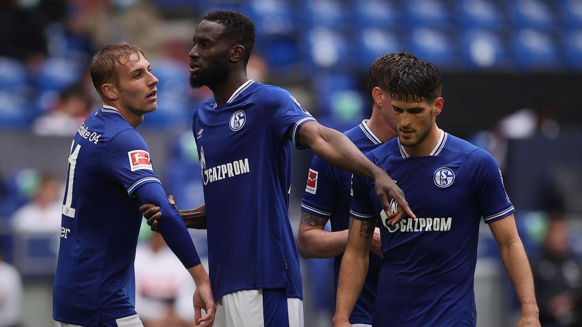 Schalke 04 steckt in finanziellen Schwierigkeiten.