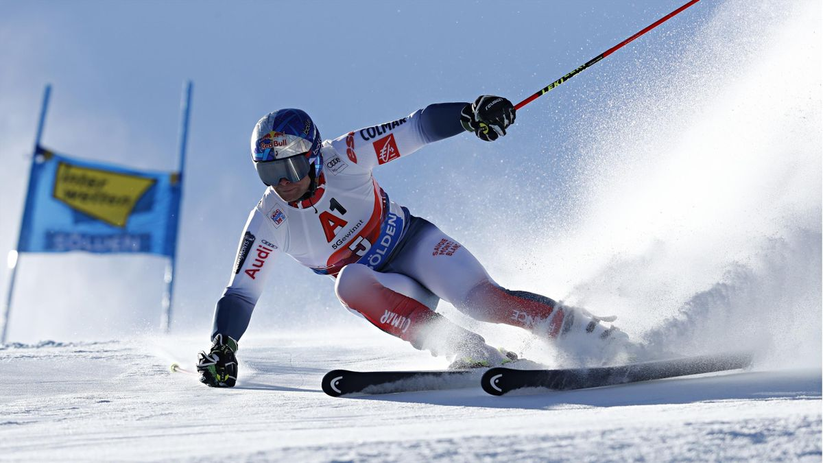 Alexis Pinturault of France in action during the Audi FIS Alpine Ski World Cup Men's Giant Slalom on October 27, 2019 in Soelden, Austria.