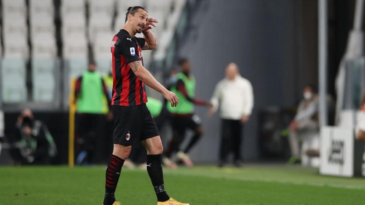 Zlatan Ibrahimovic costretto a lasciare il campo durante Juventus-Milan - Serie A 2020-21