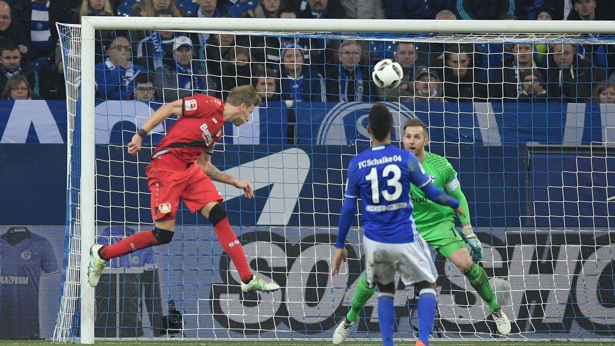 Stefan Kießling köpft Leverkusen gegen Schalke zum Sieg