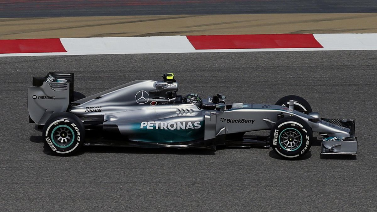Mercedes Formula One driver Lewis Hamilton of Britain drives during the first practice session of the Bahrain F1 Grand Prix at the Bahrain International Circuit (BIC) in Sakhir, south of Manama April 4, 2014. REUTERS/Steve Crisp (BAHRAIN - Tags: SPORT MOT