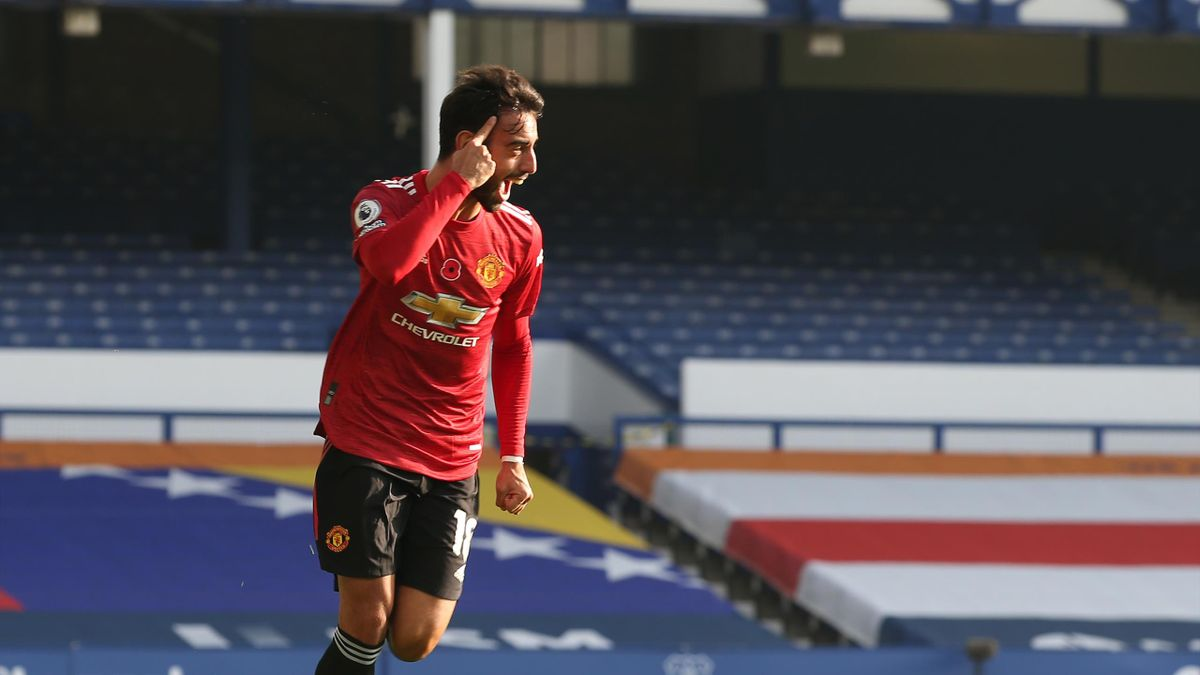 Bruno Fernandes of Manchester United celebrates scoring their first goal during the Premier League match between Everton and Manchester United at Goodison Park