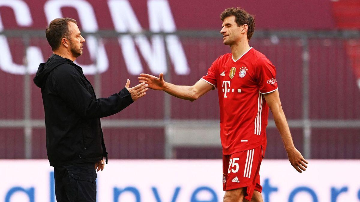 Bayern-Trainer Flick mit Vereins-Ikone Müller