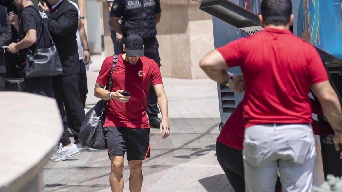 Hakan Çalhanoglu al termine dell'avventura della Turchia a Euro 2020, 22 giugno 2021 (Getty Images