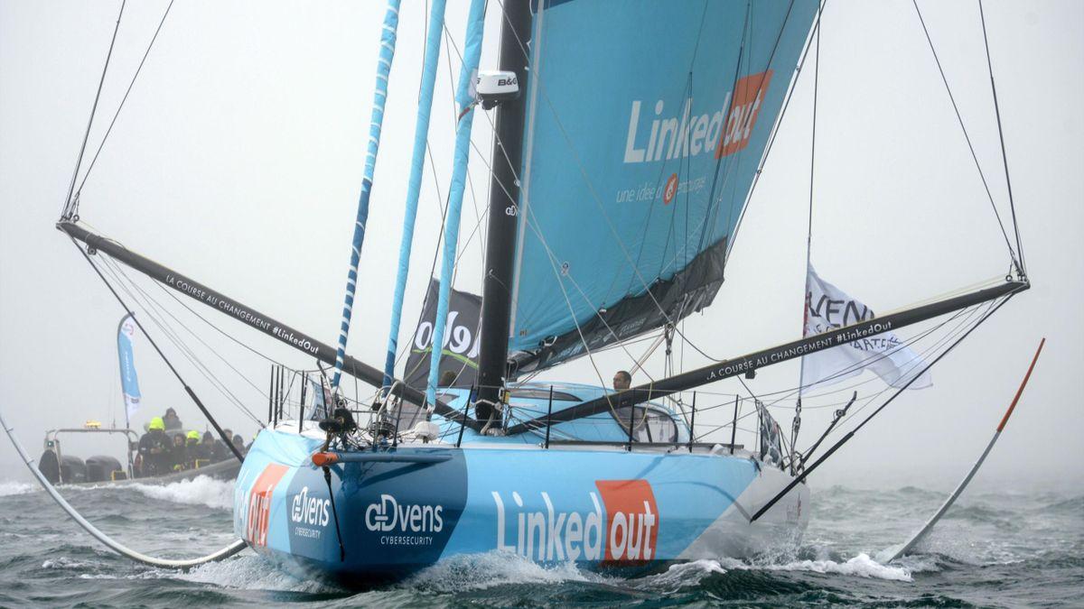 Thomas Ruyant à bord de Linkedout au départ du Vendée Globe 2020/2021