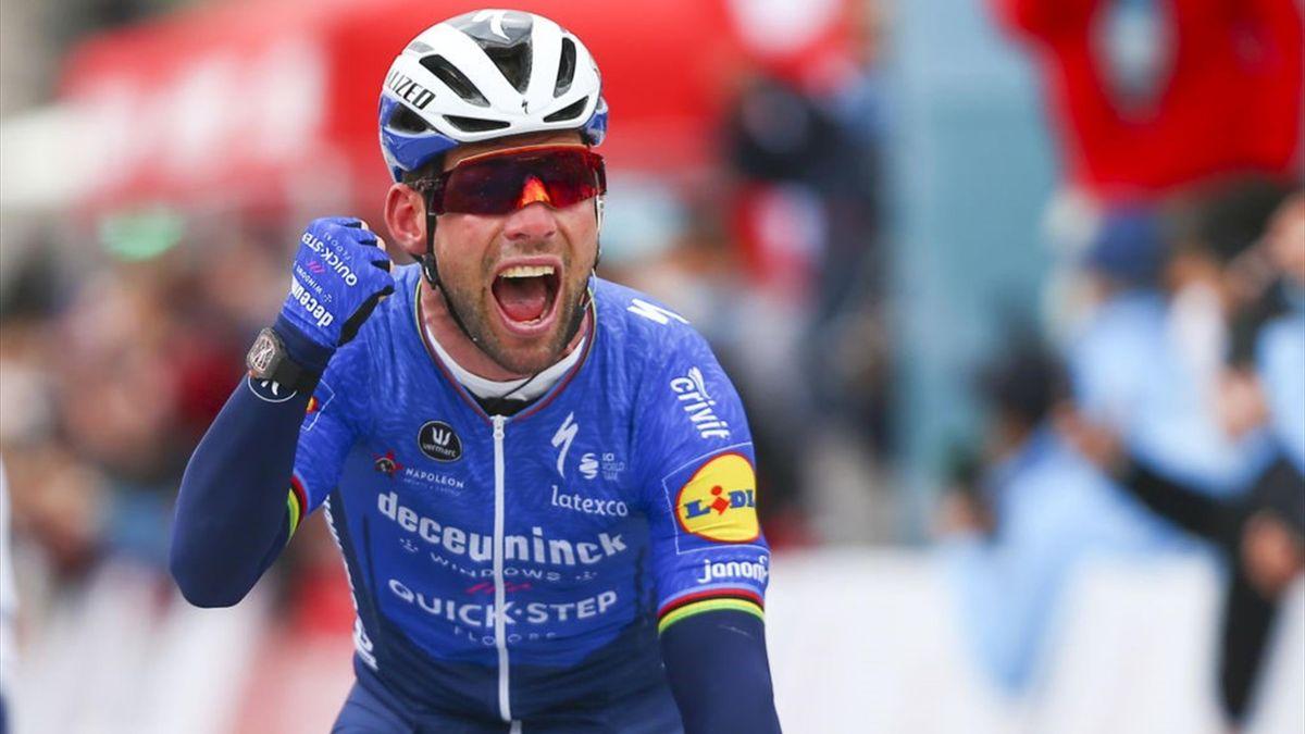 Cavendish esulta sul traguardo di Konya per la vittoria della 2a tappa del Giro di Turchia 2021 - Getty Images