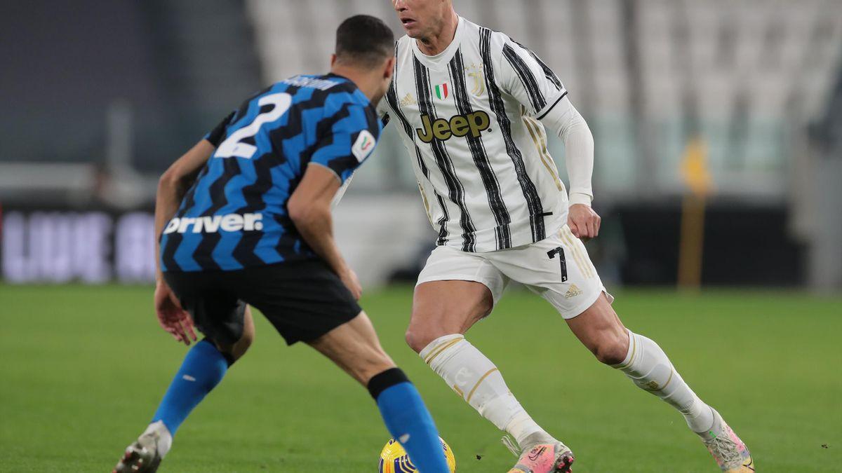 Cristiano Ronaldo face à Hakimi (Juve-Inter)