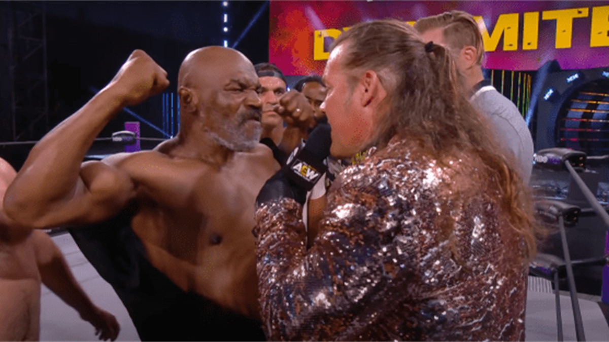 Mike Tyson, din nou în ring