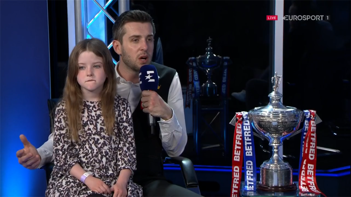 'He hid round the corner' - Selby reveals distraction on final black