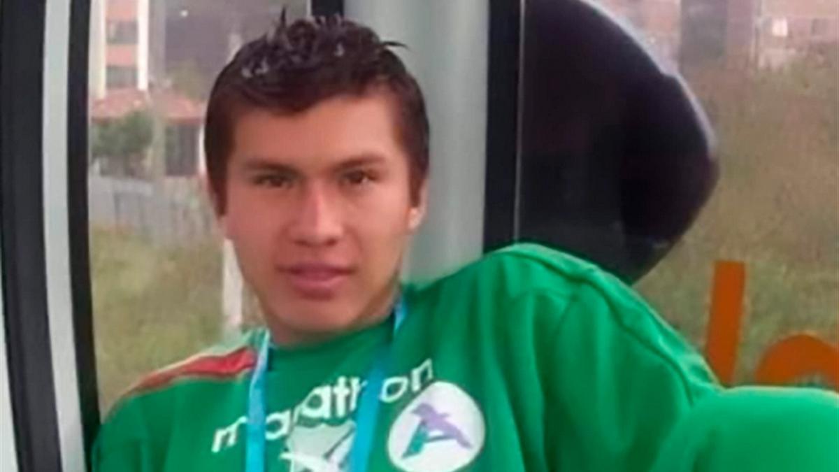 Deibert Frans Roman Guzman, un fotbalist de 25 de ani din Bolivia, a murit din cauza infecției cu COVID-19.