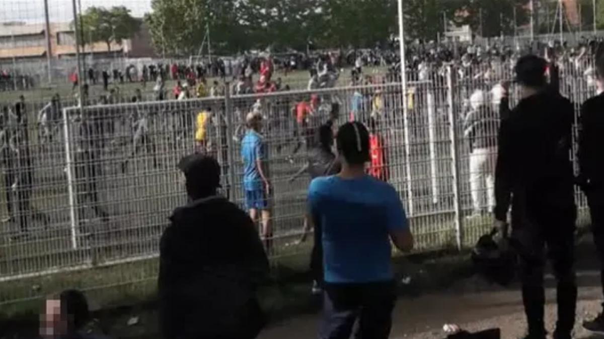 În Strasbourg, oamenii au uitat de distanţare socială, în dorinţa de a vedea un meci de fotbal