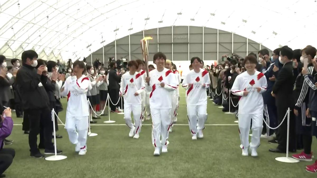 Le relais de la flamme olympique a débuté à Fukushima