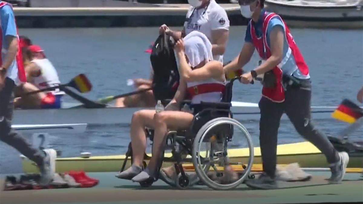 Hitze und Erschöpfung: Ruderin Menzel landet kurzzeitig im Rollstuhl