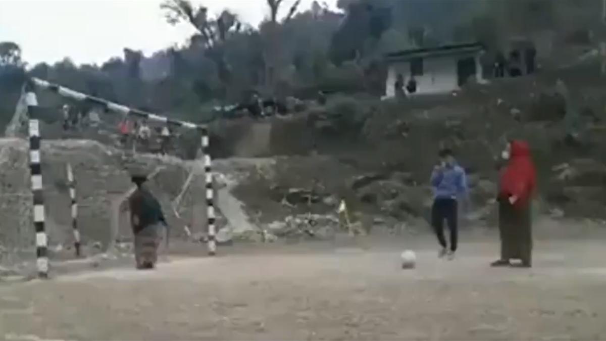 Футболистки из Непала