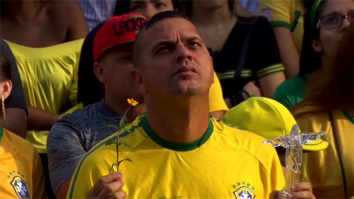 Brazil's win seen from Rio (SNTV)