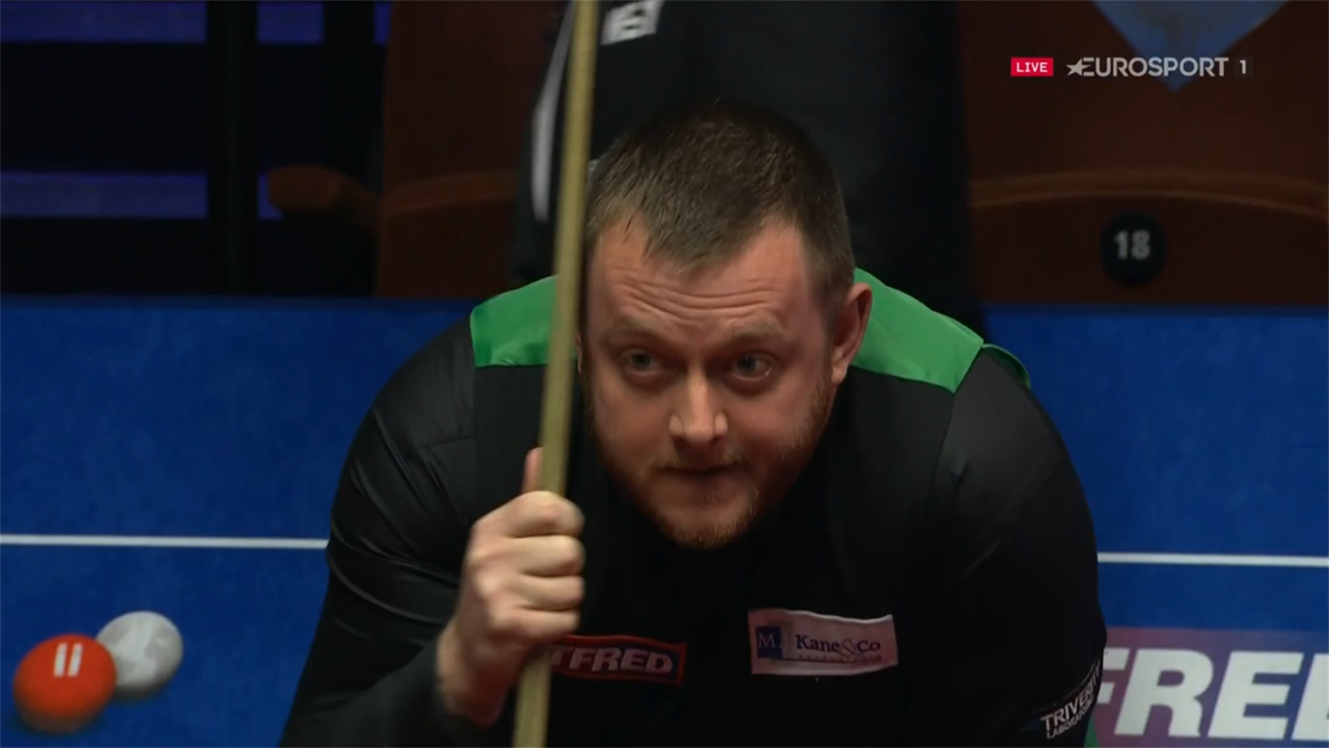 'Sorry!' - Allen smashes balls to avoid losing match against Selby