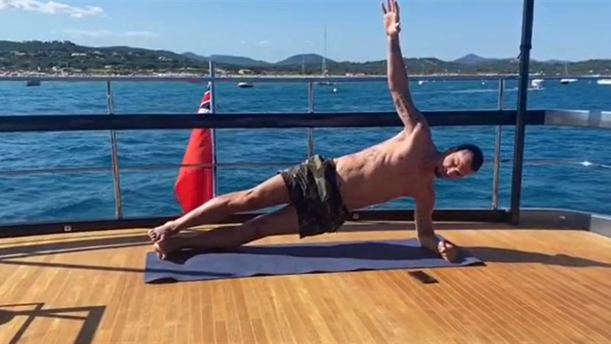 Zlatan Ibrahimovic face exerciții pe yacht