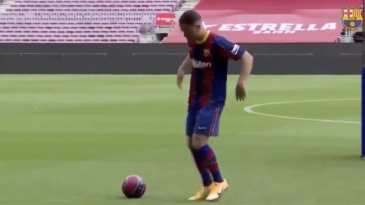 Sergino Dest, ultimul jucător transferat de Barcelona, s-a încurcat în propriile jonglerii
